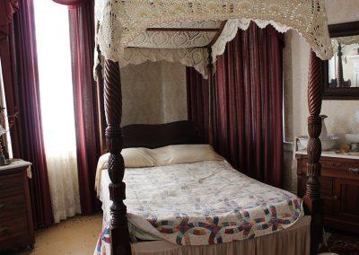 LINCOLN BEDROOM FIRST FLOOR 1