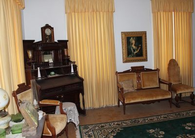 SOUTHWEST SITTING ROOM SECOND FLOOR 2