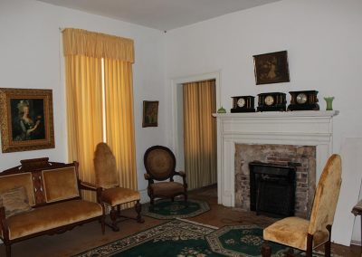 SOUTHWEST SITTING ROOM SECOND FLOOR 3